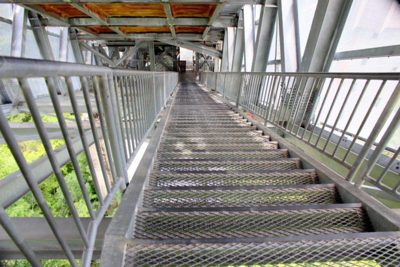 白馬ジャンプ競技場 恐怖の階段