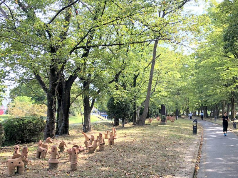 公園内の埴輪