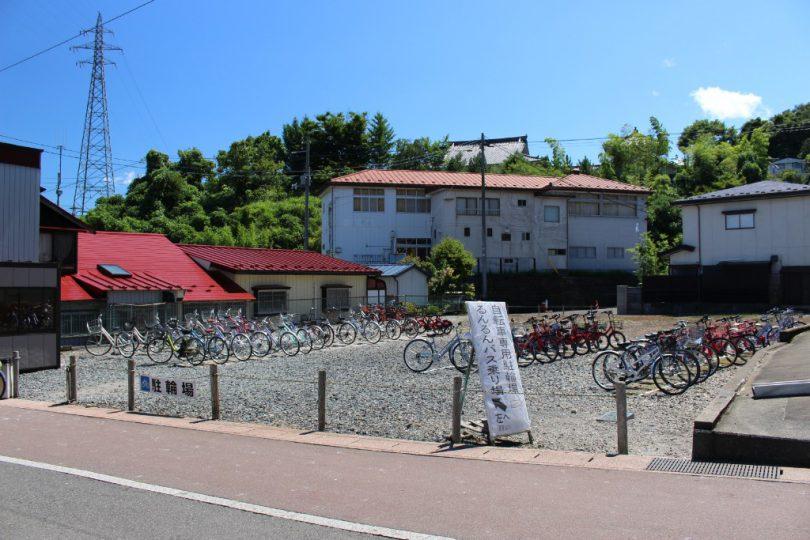中尊寺付近の駐輪場