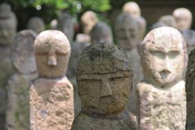 五百羅漢石仏