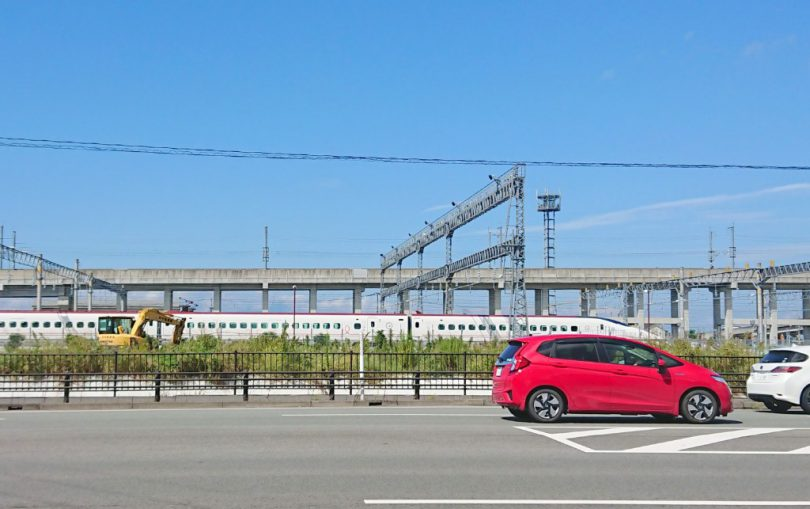 途中、九州新幹線の車両基地も