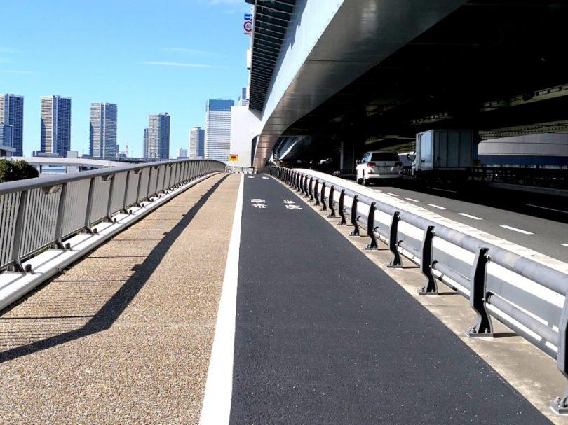 きりや橋の自転車走行空間01