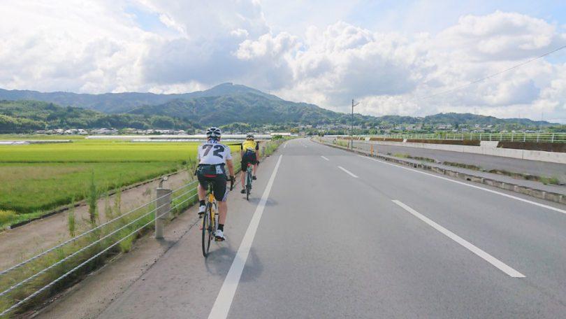 益城町の美しい山並みを眺めながら走るv2