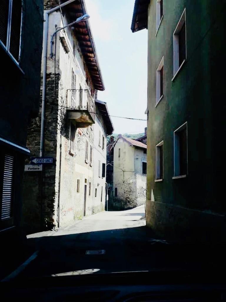 イタリアの細街路
