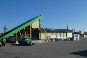 JR烏山駅舎