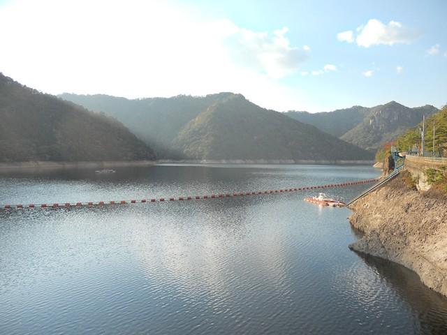 鳳来湖(宇連ダム)