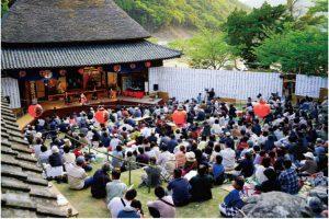 肥土山農村歌舞伎舞台