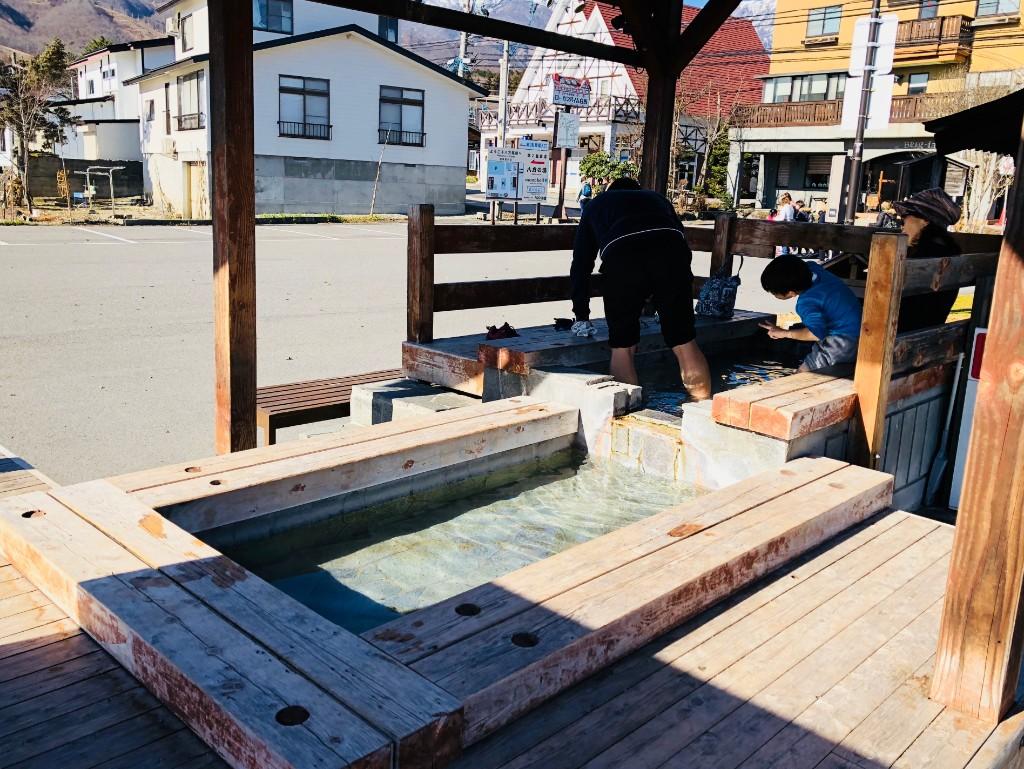 八方温泉の足湯