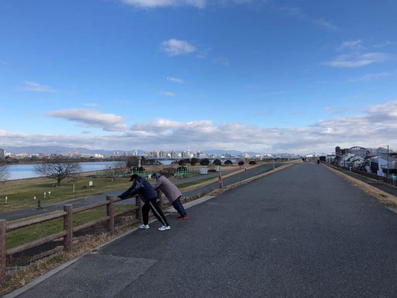 淀川河川敷自転車道2