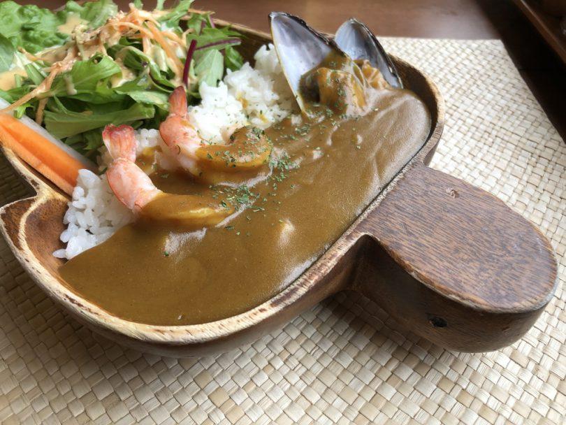 シ―フードカレー、980円、亀、皿