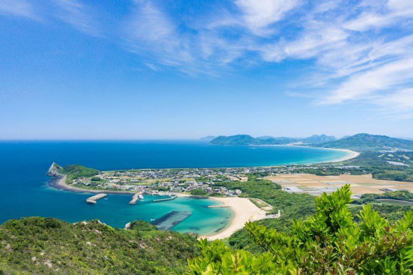 糸島半島、5月、海、白い砂浜、新緑