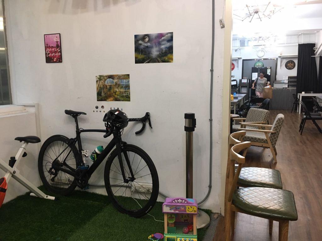 台北市内の宿泊施設では、室内へのバイクの持ち込みはほとんどOK