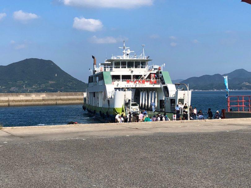 大久野島行きフェリー