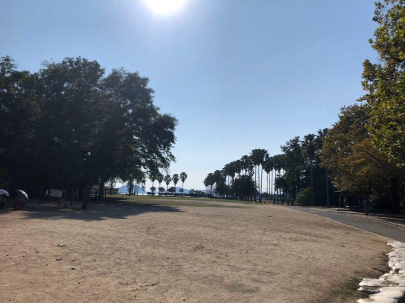 広場の風景