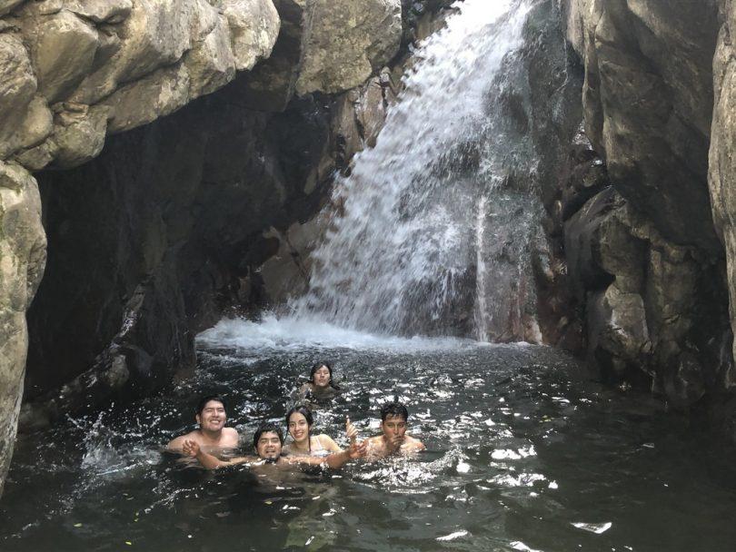 滝 トレッキング