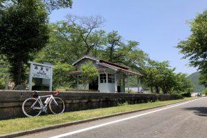 【岡山県】古き良き鉄道の景色と山や川の自然が美しい「片鉄ロマン街道」サイクリング