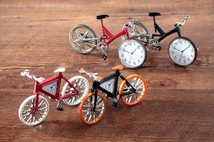 オフィスやリビングでサイクリング気分「ミニチュアクロックコレクション 自転車シリーズ」7選《PR》