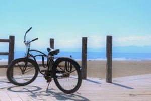 ビーチクルーザーとは?各名称や活躍シーン、他の自転車と違う点を解説